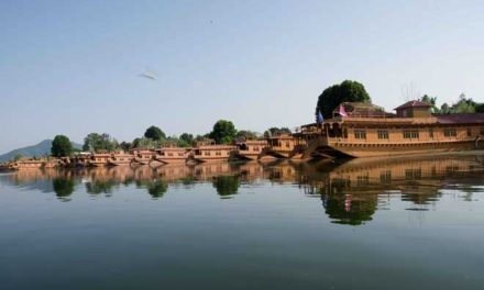 Srinagar in strife – Houseboat No 5