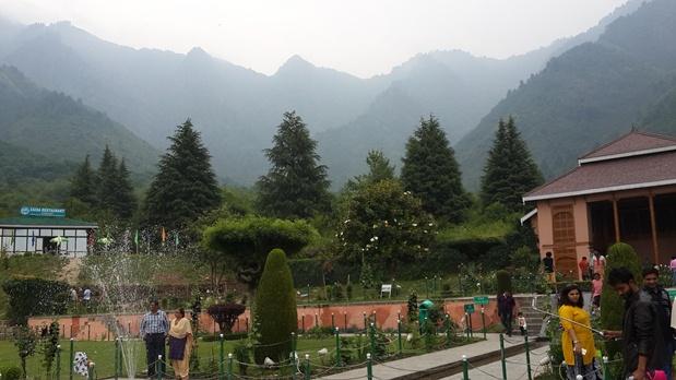 Travel Blogs on Cheshmaishai garden in Srinagar, Kashmir