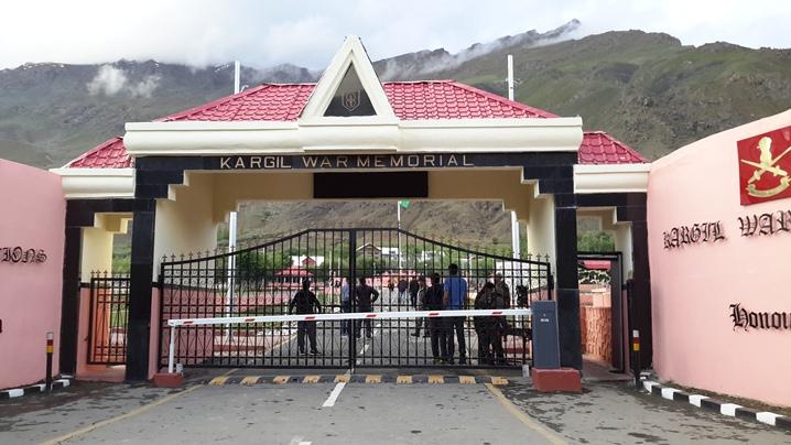 Travel Blogs on Kargil Gulmarg, Leh Ladakh
