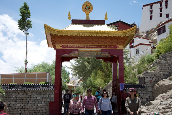 Travel Blogs on Thiskey Monestry Pangong Lake